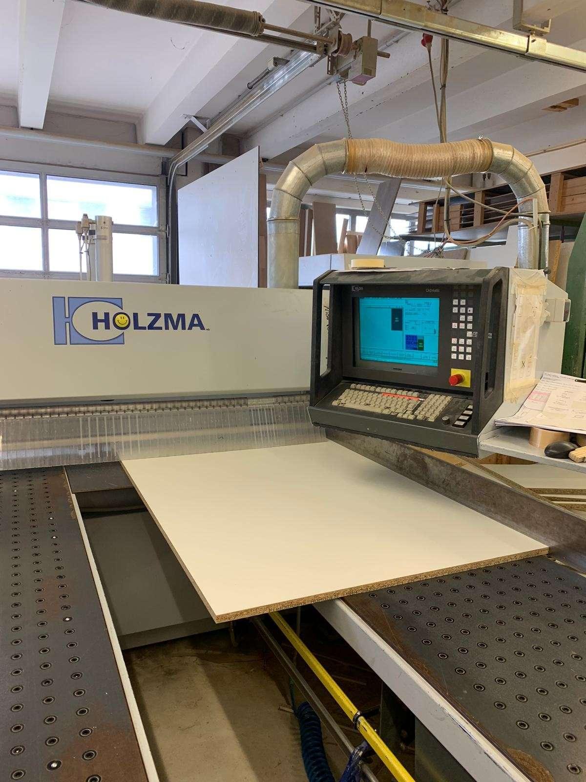 CAD-Maschine von Holzma HPP in der Schreinerei Holzschuh und Böhringer in Fellbach bei Stuttgart.